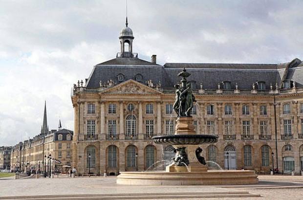 Livraison des vins du Château Haut de Lerm sur Bordeaux et la Communauté Urbaine de Bordeaux